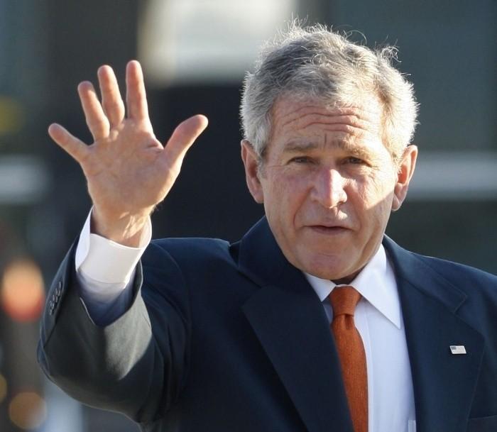 George Bush rozpoczął dziewięciodniową podróż po Europie...