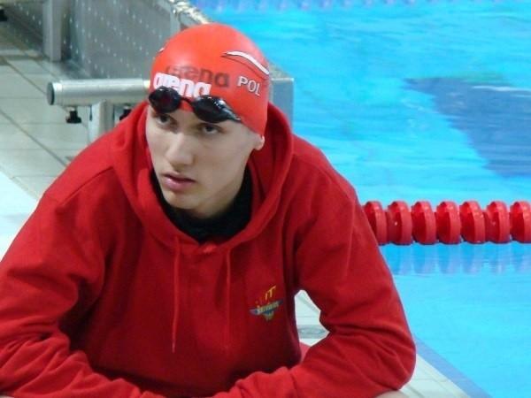 Artur Pióro (Spartan Lublin) z powodzeniem rywalizuje z pływakami słyszącymi
