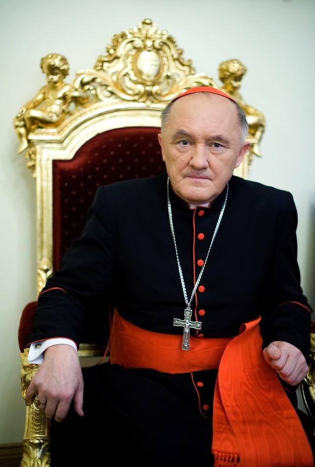 Kardynał Kazimierz Nycz: Nie wystarczy czekać w parafiach na wiernych, bo niektórzy nigdy nie przyjdą. Trzeba z parafii wychodzić i szukać tych, którzy zginęli