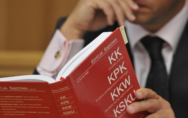 Poznańska prokuratura czeka na dokumenty z Hongkongu