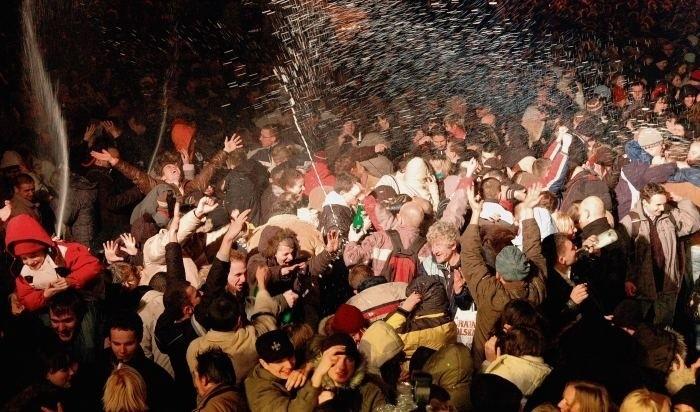 W Poznaniu na sylwestra organizowane były już i zabawy, i pokazy fajerwerków