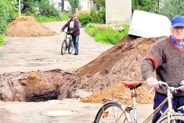 Ulice: Wandy, V Dywizji, Dąbrówki i Ziemowita nie były remontowane od zakończenia wojny