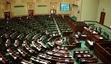 Samorządowcy z woj. śląskiego w parlamencie. A na ich miejsca...
