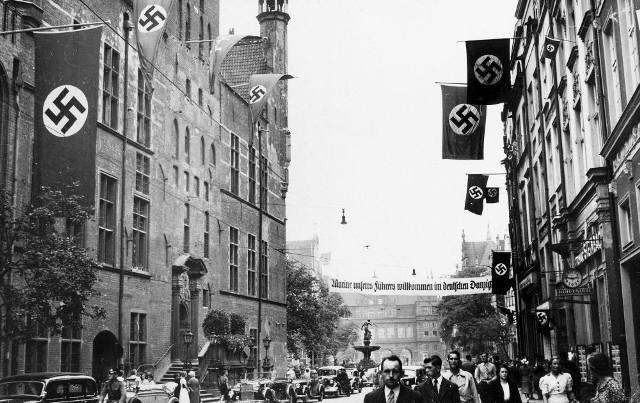W Gdańsku, gdzie na początku lat 30. było 40 tys. bezrobotnych, narodowi socjaliści przedstawili się jako nowa siła zdolna poprawić sytuację