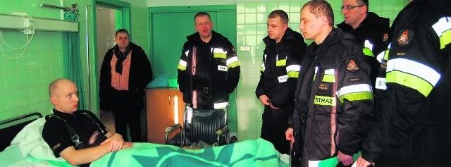 Do szpitala w Kościerzynie trafiło czterech strażaków