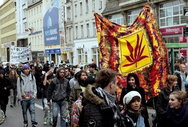 Wcześniejsze manifestacje i marsze przyciągały zwolenników legalizacji marihuany