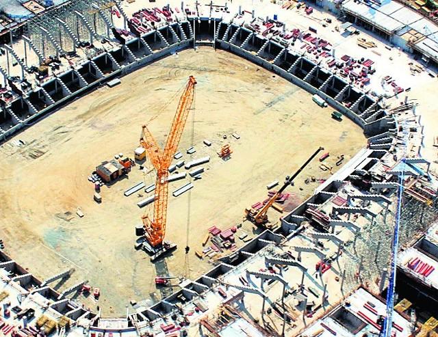 Urząd Miejski: Stadion budowany jest zgodnie z planem