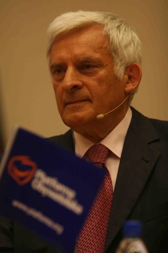 Na prof. Jerzego Buzka głosowało 393117 wyborców