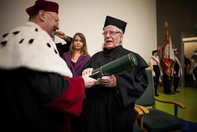 Amos Oz doktorem honoris causa Uniwersytetu Łódzkiego