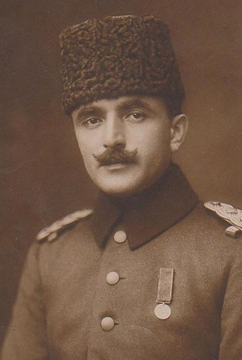 TurcjaOdpowiada za śmierć: 1,1 do 2,5 miliona ludziLata u władzy: 5 (1913-1918)Największa zbrodnia: ludobójstwo OrmianTyp reżimu: junta wojskowaPrzyczyna śmierci: zginął w walce (jednak do końca nie jest to jasne)
