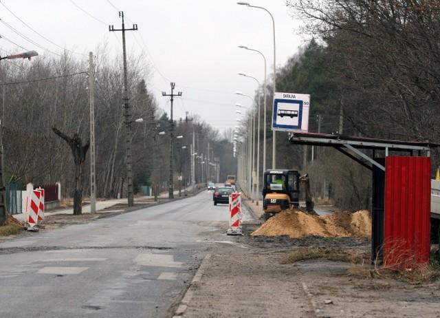 Chodnik na Rudzkiej zostanie dokończony dopiero w pierwszej połowie przyszłego roku