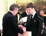 Prezydent Komorowski nagrodził fotoreportaż ucznia z Człuchowa