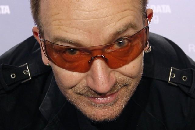 48-letni Bono nie pozwala fanom się nudzić. Lider U2 to jedyny człowiek w dziejach nominowany jednocześnie do nagród Grammy, Oscara, Złotego Globu i pokojowej Nagrody Nobla