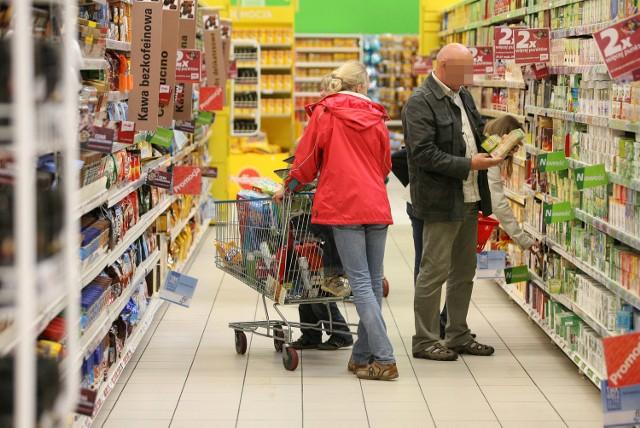 Na zakupy mamy chodzić często i wydawać dużo