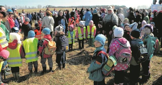 Przedszkolakom wytrwać przez kwadrans w miejscu pomogło śpiewanie piosenek
