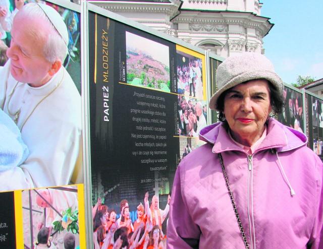 Emilia Berndsen jest zachwycona wystawą papieską