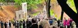 Pomnik Profesorów Lwowskich: Dla tych, co tam zostali