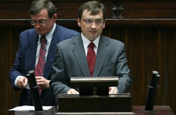 Zbigniew Ziobro i Tadeusz Cymański byli jednymi z posłów, którzy głosowali za ACTA w 2010 roku. Teraz domagają się od rządu, żeby nie ratyfikował ustawy.