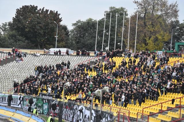 Kibice ROW-u Rybnik, Górnika Zabrze i GKS-u Katowice nie dali rady ponieść rybniczan do derbowej wygranej.