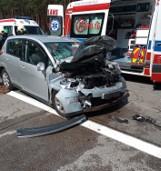 Wypadek na 97 kilometrze autostrady A2. Auto osobowe wjechało w naczepę [FOTO][FILMY]