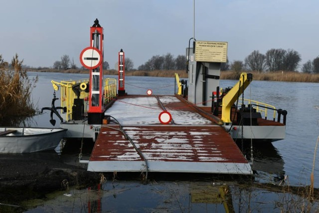 Od 8 kwietnia przeprawa pontonowa w Kłopotowie była nieczynna z powodu awarii.