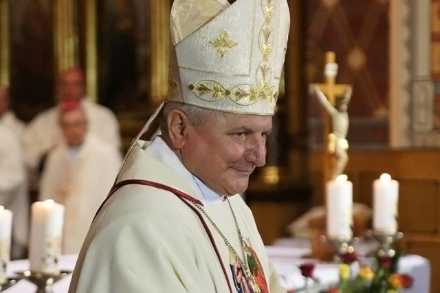 Papież Franciszek przyjął rezygnację biskupa kaliskiego!