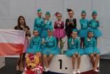 """Mażoretki """"Artis"""" Góra zadebiutowały na mistrzostwach Europy. Wróciły z pięknymi wspomnieniami i złotymi medalami [ZDJĘCIA]"""