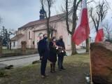 Dobrzyń nad Wisłą. Troje radnych powiatowych upamiętniło Żołnierzy Wyklętych [zdjęcia]