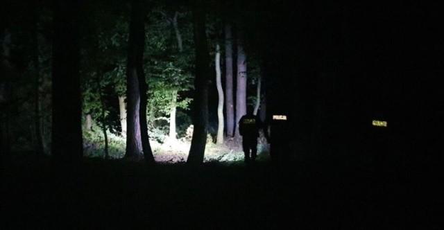 Samochód dachował na obwodnicy Kleszczowa, a kierowca uciekł