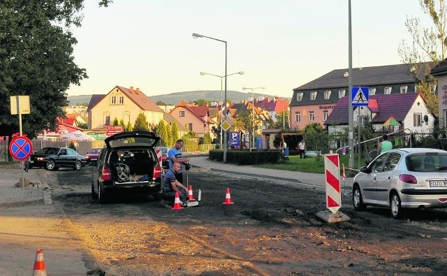Ulica Daszyńskiego, główna arteria Bogatyni, przechodzi gruntowny remont
