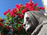 Siostra Maria czeka w ogrodzie. Nikt nie chce rzeźby zasłużonej mieszkanki Goleniowa?