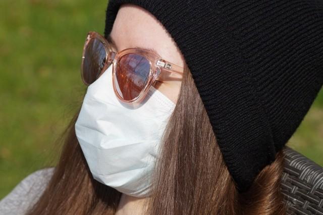 Maseczki ochronne będą obowiązkowe w Polsce? Minister zdrowia zmienia zdanie. Od kiedy obowiązek noszenia maseczek?
