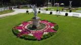 Niezwykłe pomniki Nike przed żagańskim pałacem! Czy znacie ich historię?