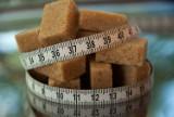 Słodkie napoje będą droższe. Rząd dał zielone światło dla podatku cukrowego. O ile wzrosną ceny?