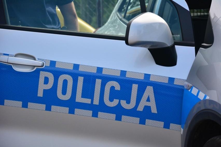 W Starachowicach pijancy kierowca wjechał w latarnię