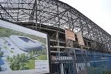 Budowa stadionu w Zabrzu. Robotnicy wracają na plac budowy
