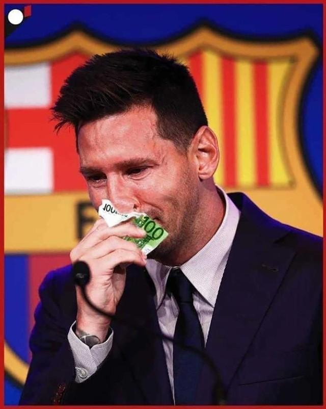 Leo Messi dołączył do Paris Saint-Germain. Argentyński geniusz przywitał się już z nowymi kibicami i wziął udział w konferencji prasowej. Zobaczcie, jak internauci skomentowali transfer jednego z najwybitniejszych piłkarzy w historii piłki.