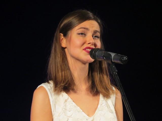 """Dorota Dacewicz przyjechała na konkurs z Francji. Zaśpiewała """"List do matki"""". I wygrała"""