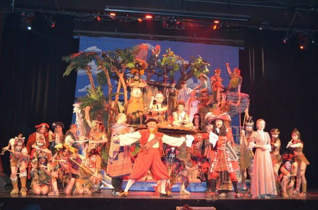 """Musical """"Piotruś Pan"""" miał swoją światową prapremierę 27 lutego 2000 roku na scenie Teatru Muzycznego Roma. Gościł tam przez 3 sezony i obejrzało go 200 tys. widzów. Fot. Weronika Trzeciak"""