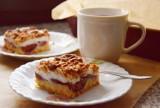 Kruche ciasto ze śliwkami i bezą (PRZEPIS) Warto spróbować