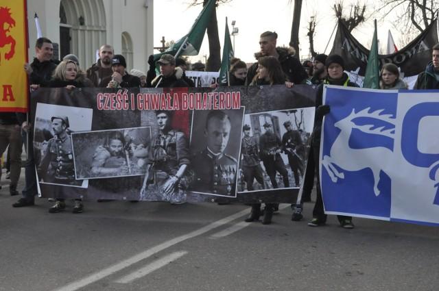 Marsz Pamięci Żołnierzy Wyklętych w Hajnówce i kontrmanifestacje