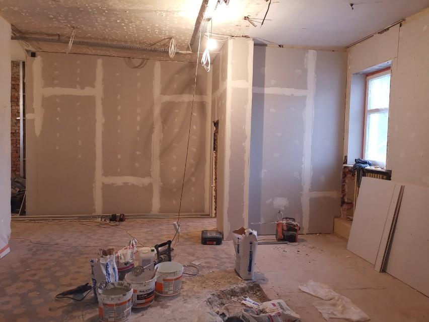 KOBYLIN: Dobiega końca przebudowa budynku dawnego kina Świt na Gminne Centrum Kultury [ZDJĘCIA]