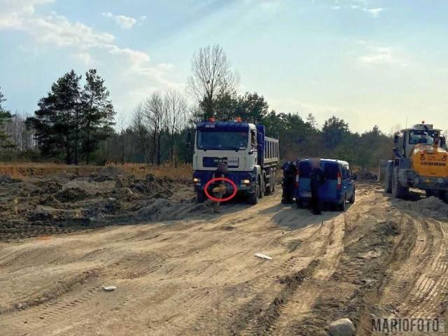 Ludzkie szczątki znalezione w Opolu. Zauważył je kierowca ciężarówki, który wywiózł do Groszowic ziemię z miejsca budowy.