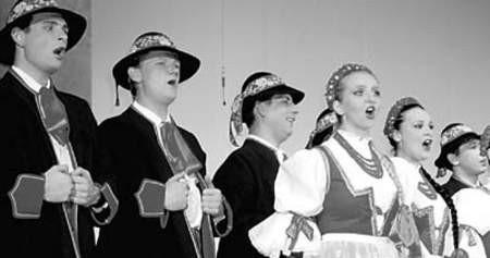 Zespół Śląsk wykonał kilka pieśni góralskich.