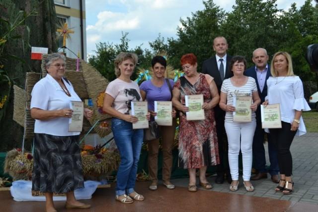 Rolnicy z gminy Chełmno świętowali dożynki w Małych Łunawach.