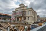 Muszyna. Okazały budynek nowego ratusza już stoi. Prace potrwają do grudnia [ZDJĘCIA]