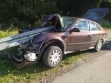 Dramatyczny wypadek w Soli: samochód wbił się w barierę energochłonną