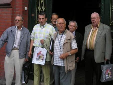 Podczas wizyty w Chojnicach Holendrzy zachęcali członków Towarzystwa Przyjaciół Hospicjum do przystąpienia do tworzonej Międzynarodowej Fundacji Humanitarnej Dla Zdrowia.