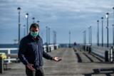 Otwarte plaże i mola w Trójmieście. Pierwsi spacerowicze już korzystają ze zniesionych ograniczeń. Od 20.04.2020 r. nowe zasady [ZDJĘCIA]