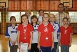 SP nr 2 w Pile: 500 meczów na Miejskim Turnieju Rzucanki Siatkarskiej uczniów klas IV